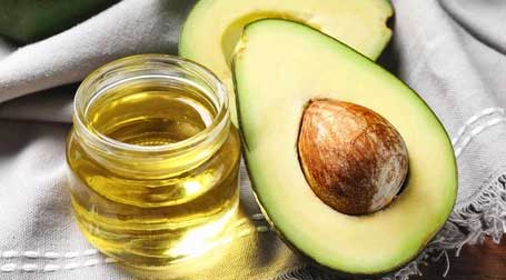 Avocado Oil The antioxidants and anti-inflammatory agents in avocado oil help your skin stay smooth, strong, and elastic. The beta carotene, protein, lecithin, fatty acids, and vitamins A, D, and E found in avocado oil help moisturize and protect your skin from damaging UV rays and also increase collagen metabolism.