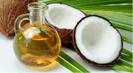 Coconut Oil Coconut oil helps reduce inflammation, keeps skin moisturized and assists in heal wounds. The medium-chain fatty acids found in coconut oil also possess antimicrobial properties that can treat acne and protect the skin from harmful bacteria.